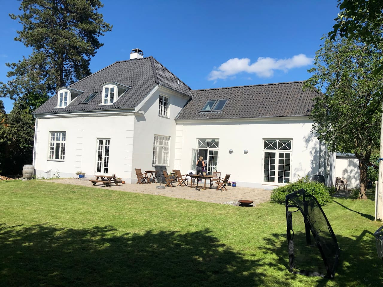 Large Villa 15 min. from central Copenhagen, surrounded by lake and forrest.