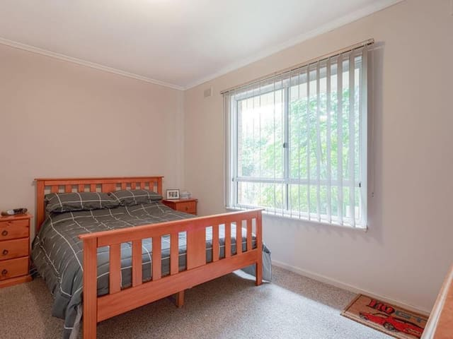 Private, cosy bedroom in the heart of Marion, SA
