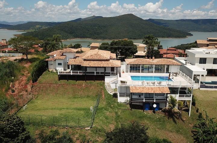 1030 Casa em Escarpas do Lago com uma MEGA PISCINA