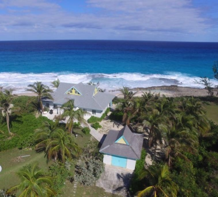 3 Bedroom Gecko Villa on the beach with gorgeous ocean views!