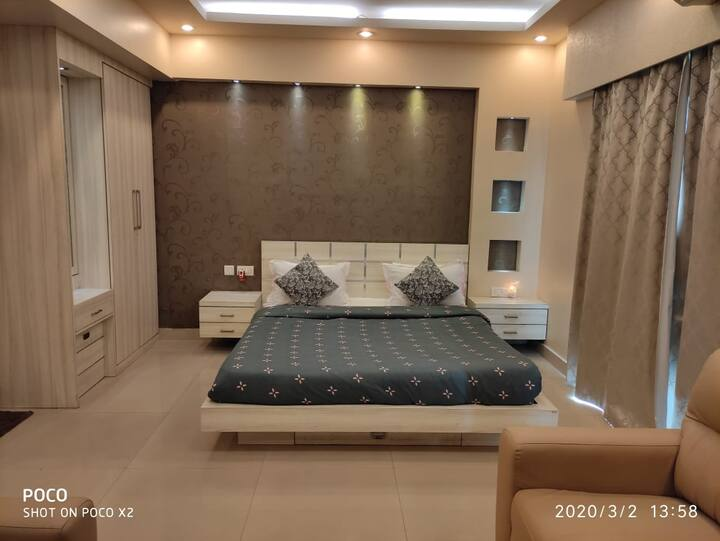 Entire Apt - Luxurious, Small party, IPL party