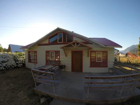 Casa ubicada en llifen a sólo metros de la playa