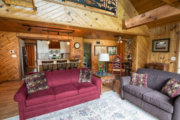 """BLUE HERON"" Lake cottage.  ND, family fun retreat"