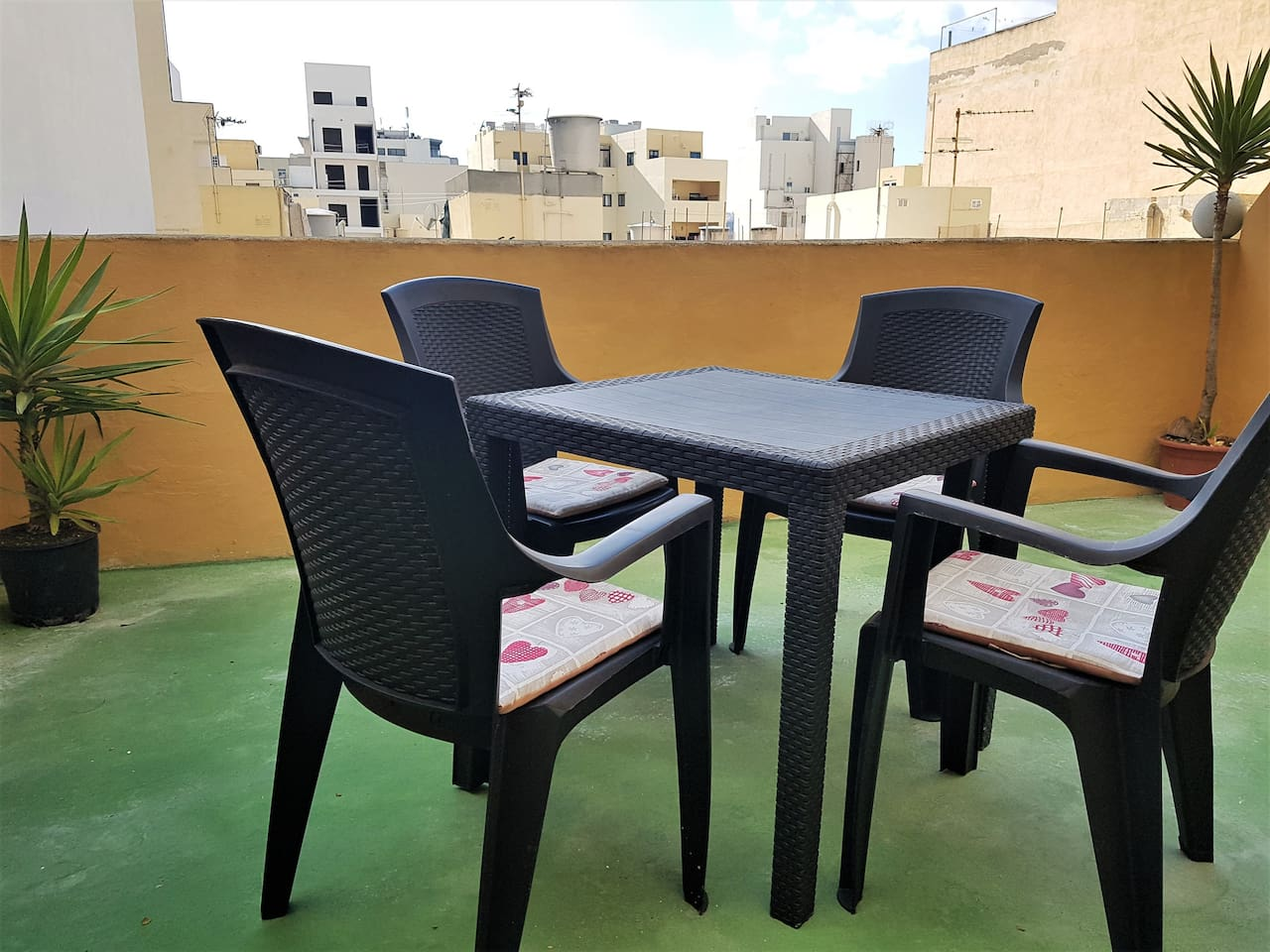 Classic Maltese maisonette with well sized entertaining areas.