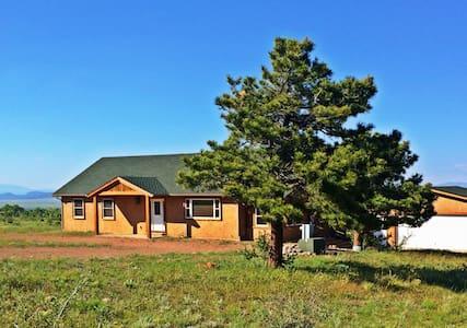 Horn Peak Ranch Home - Westcliffe, CO