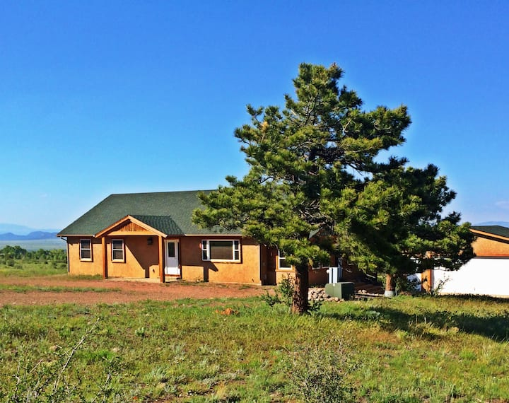 Horn Peak Ranch Home - Westcliffe, CO