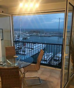Apartment front sea views Denia