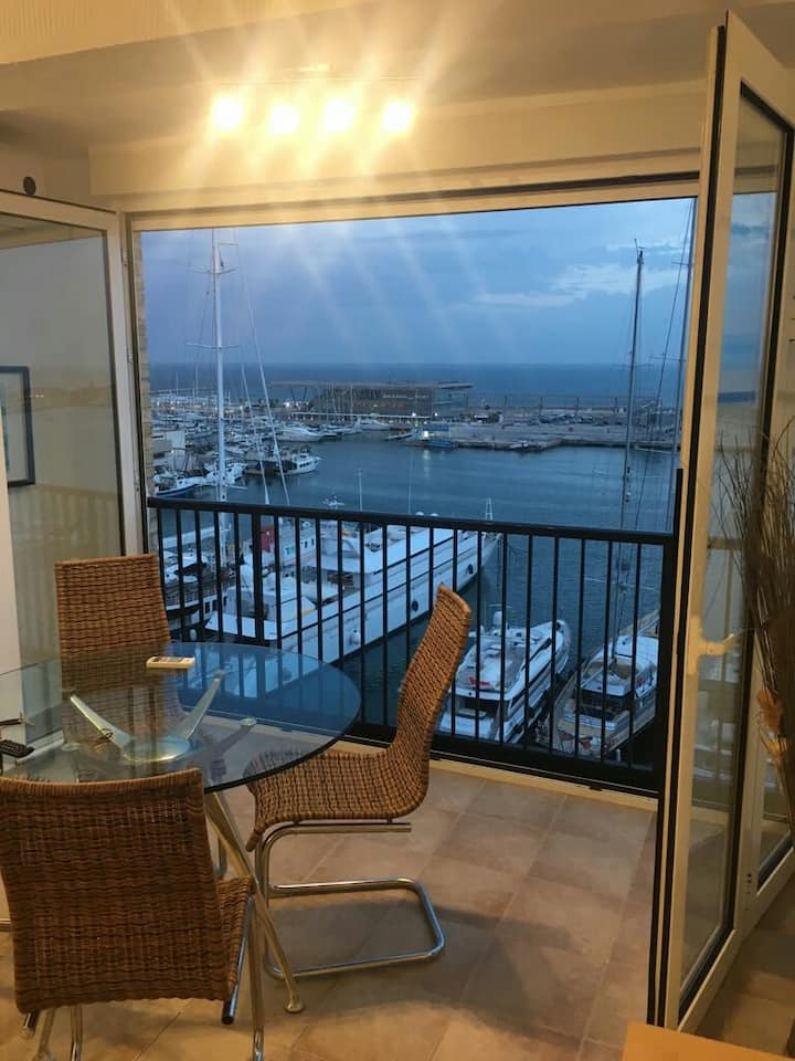 Apartment front sea views Denia