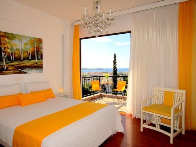 Athens Riviera 3BR apt Panoramic Sea View n/beach