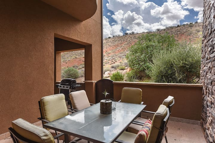 One of the Best Properties in St. George! Pools, Hot tubs, Tennis, Basketball