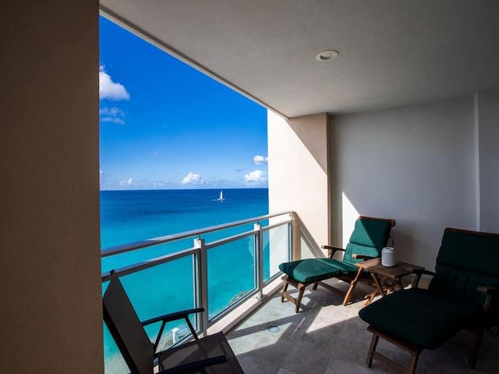 VIEW IN BLEUE _ 4th floor Luxury condo on the Beach