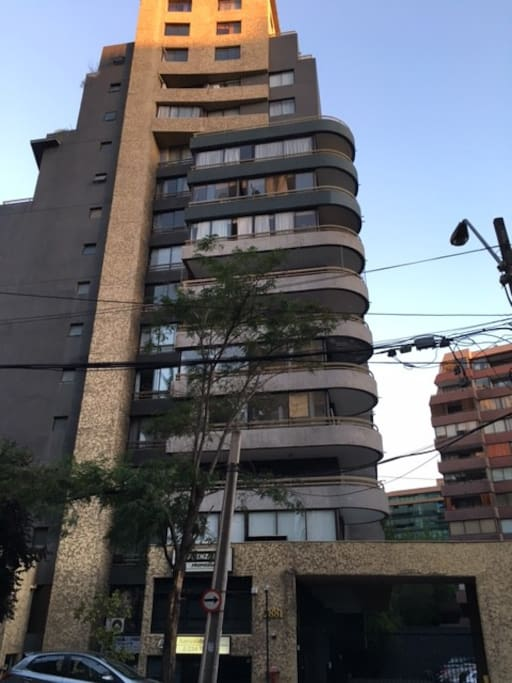 Edificio, depto. en el 4to piso