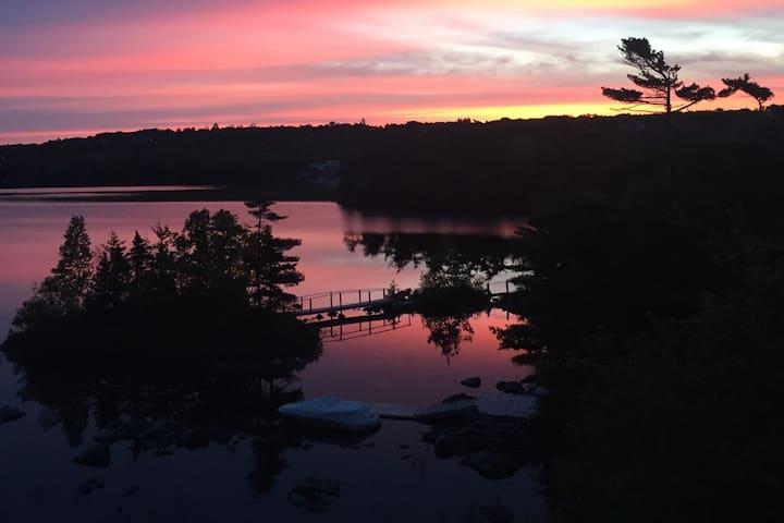 Lakelivin'- Beautiful lake Micmac views