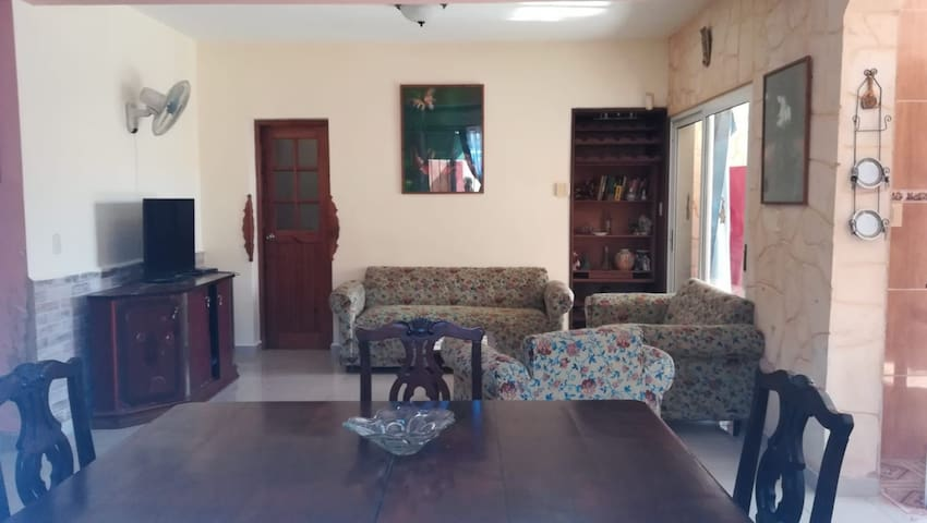 Room for rent, walking distance to the beach.