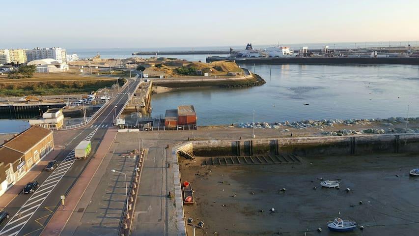 Appartement vue  mer et port de plaisance