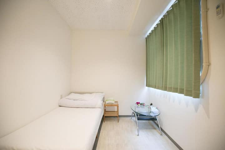 5minutes to namba,doutonbiri,good location.