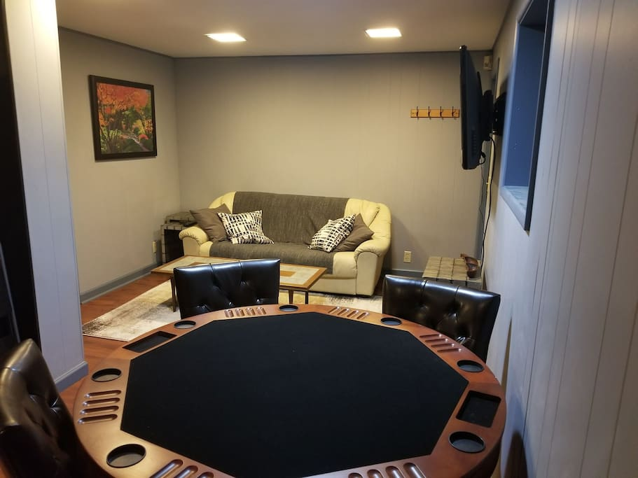 2 room apt w game table spa bed office backyard guest for Backyard guest room