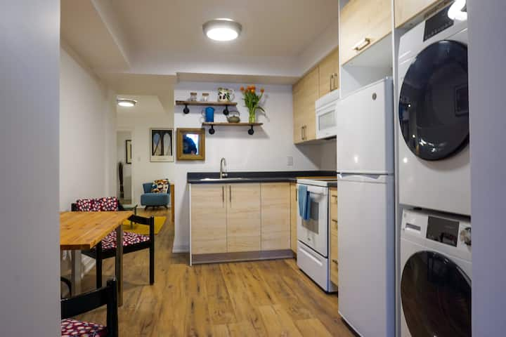 Newly renovated 1-bedroom apartment in Leslieville