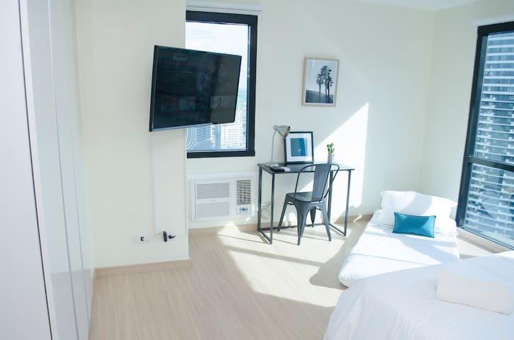 Bedroom smart LCD TV