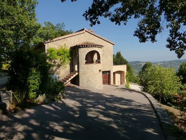 Provencal home with heated pool and stunning views - Spéracèdes