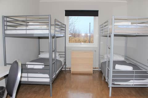 *4 persons* Quadruple room with bunk beds at Laxárbakki - Iceland