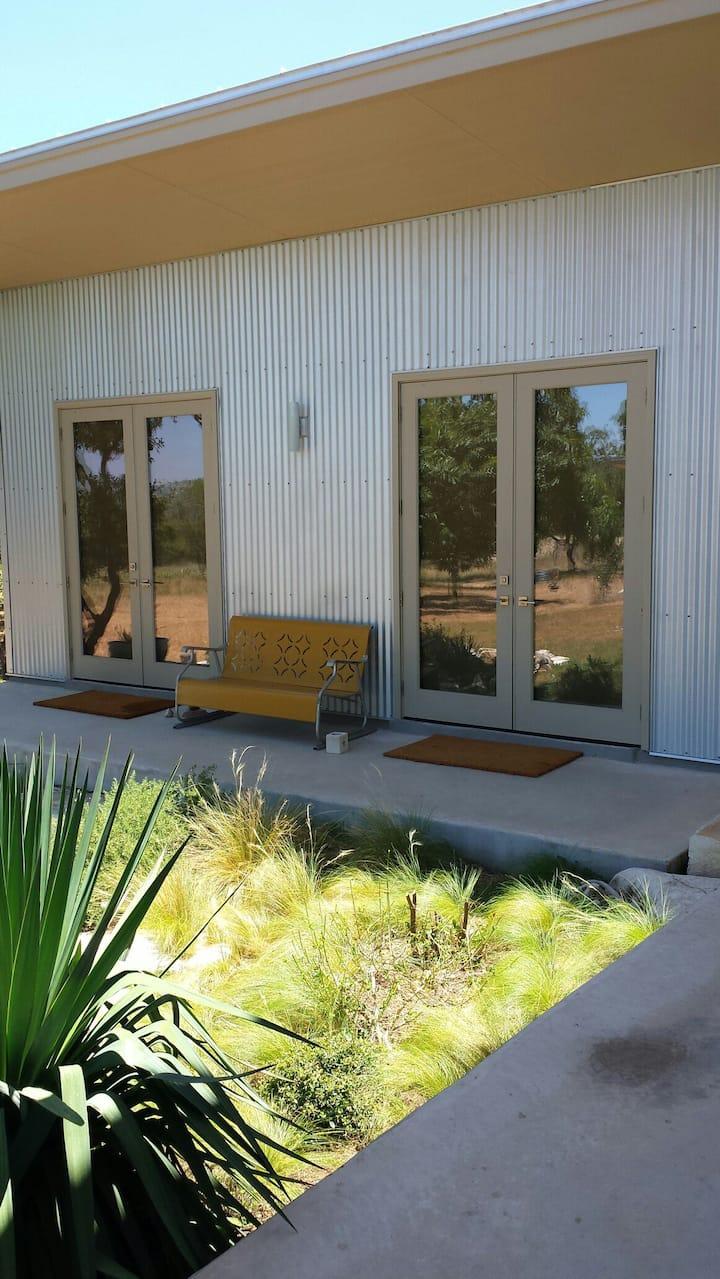 Comfort, TX guesthouse - La Paloma  II of II