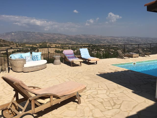 3 bed villa, private pool & views - Polemi - Villa