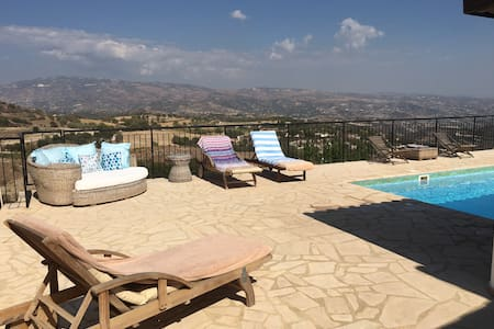 3 bed villa, private pool & views - Polemi - Casa de camp