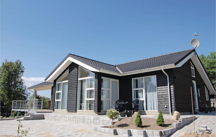 Holiday cottage with 4 bedrooms on 160m² in Farsø