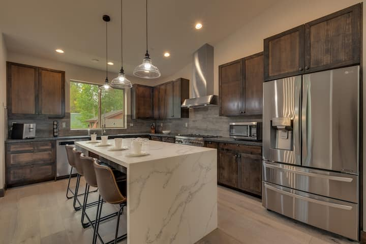 Dreamy Kitchen, Large Upright Arcade, Designer Furnished, Grill, Fast Wifi, Spa - The Glenmore