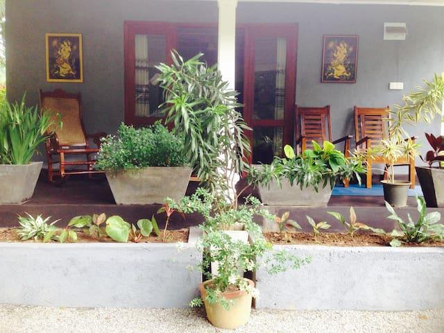 Yalegoda walauwa cottage (02) - Peradeniya - Bungalo