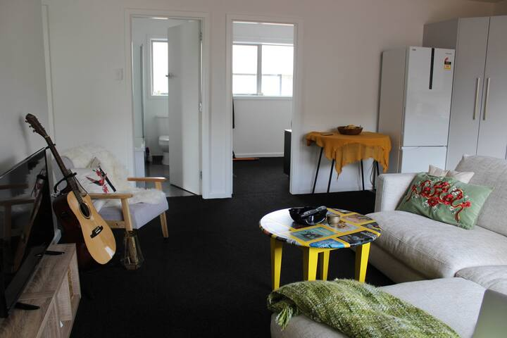 Beautiful Boho Private Bedroom in Apartment