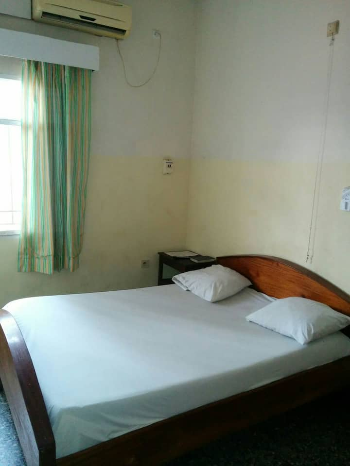 Basic Local Room at Local Price!