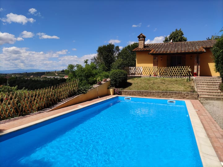 Villa Toscana with pool, wi-fi, 4 rooms, Parking