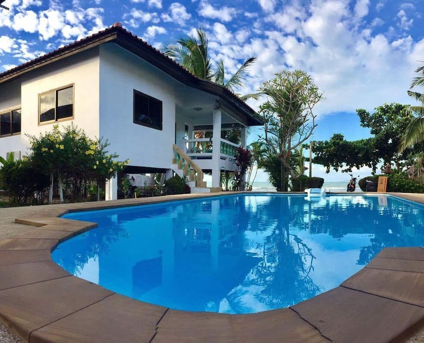 Beautiful beach house and swimming pool 2 bedroom houses for rent in ko samui chang wat for Houses to rent with swimming pool uk