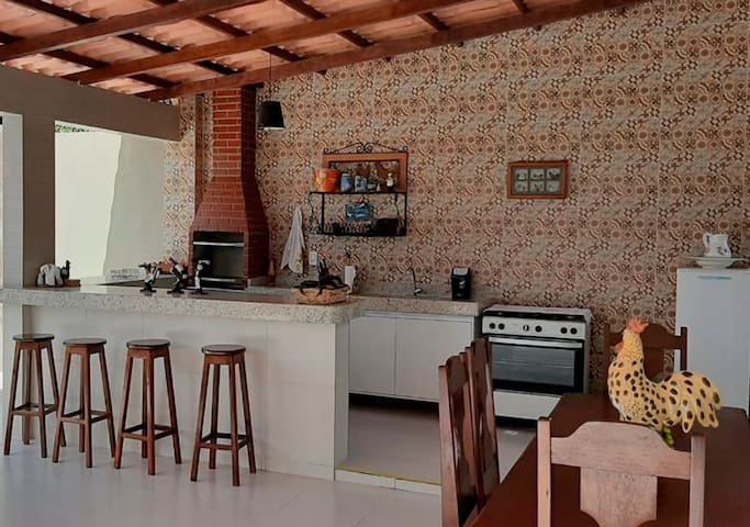 House for 10 people with 3 bedrooms, gourmet area and balcony with sea view of Santa Cruz Cabrália
