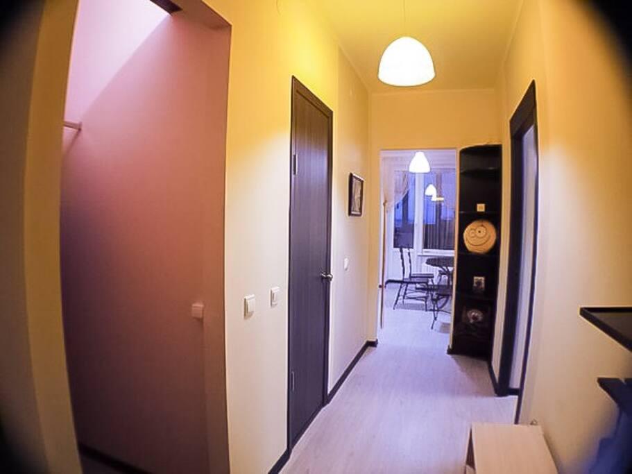 Коридор при входе в квартиру