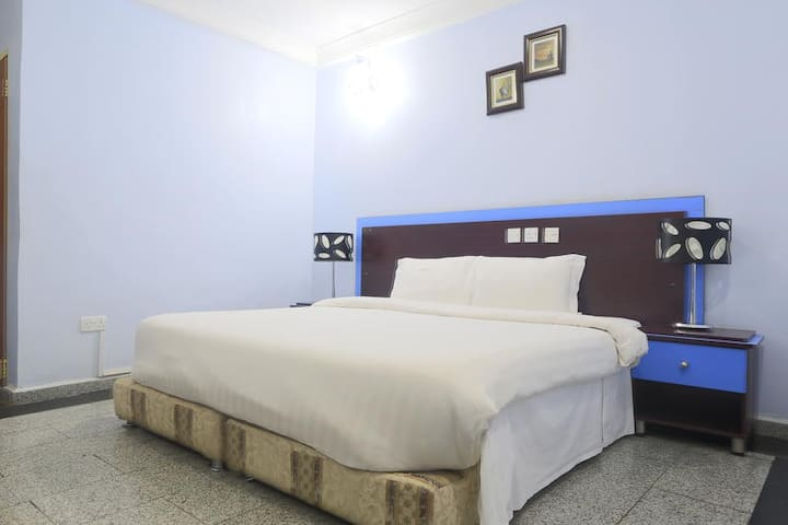 Lapour Hotels-Deluxe Room