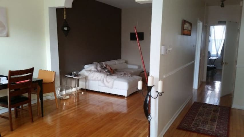 Spacious & gorgeous apartment 10 mins from Dtwn - Montréal - Lägenhet