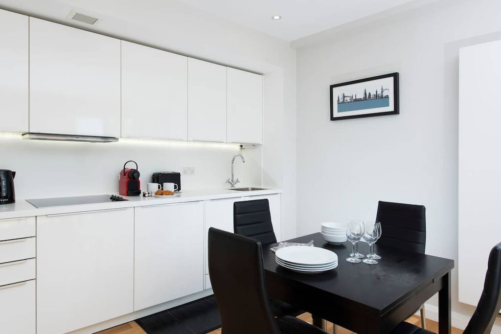 Sleek 1 Bedroom In The Heart Of Central London Flats For Rent In London England United Kingdom