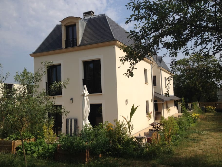 Les coudreaux chambres d 39 h tes bed and breakfasts for for Chambre hote tf1