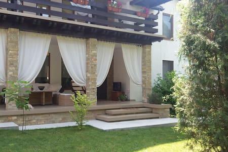 Apartament in vila Mamaia sat - Mamaia-Sat - Villa
