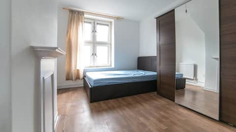 Stockwell - Spacious double room