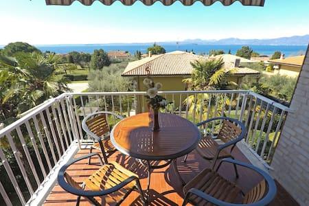 Apartment Laura -Lake view in Bardolino-Lake Garda