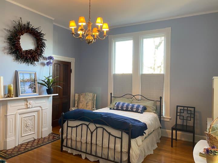 Dawson Room in the historic Dawson House