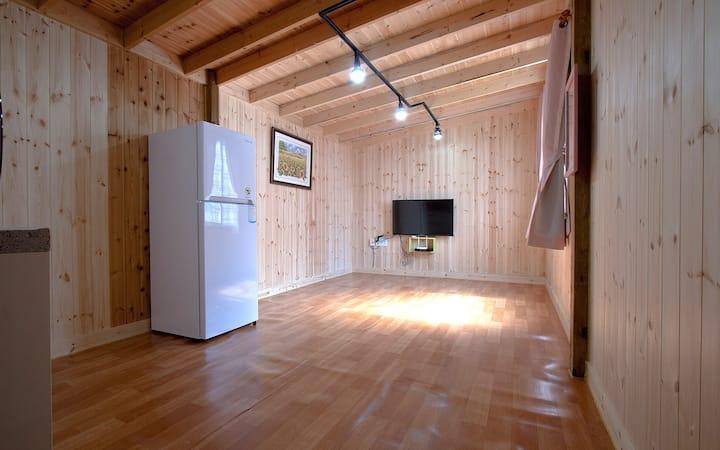 FC1(가족) 온돌+2룸 +화장실2+주방2+tv2+에어컨2 )