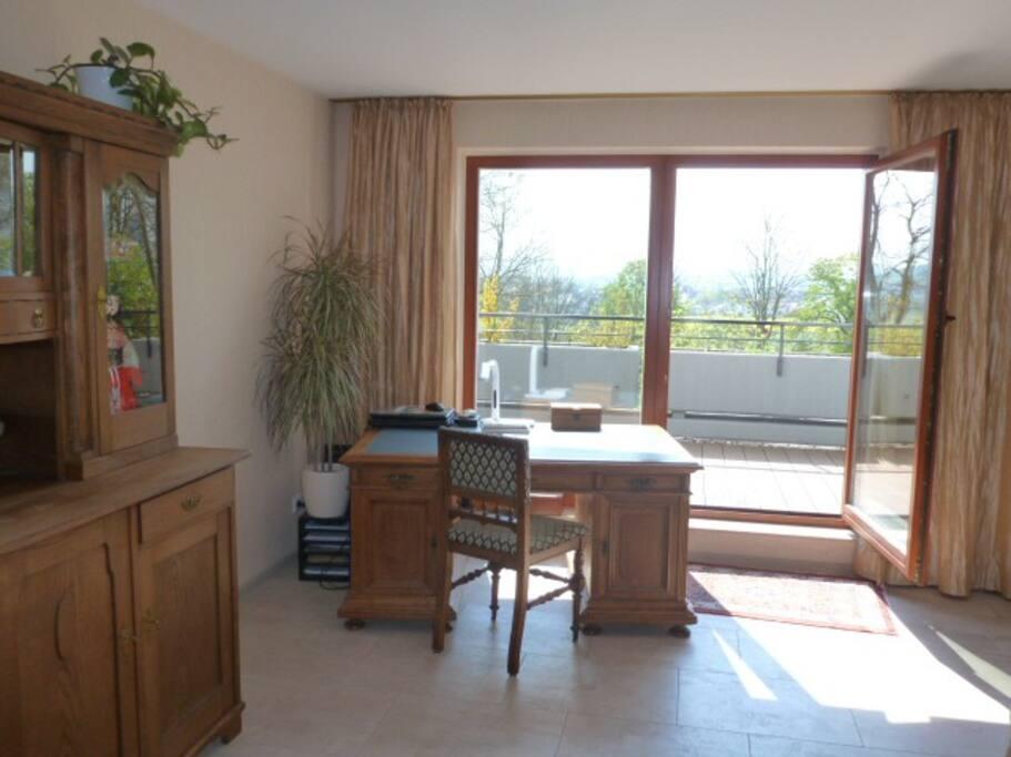 sonniges zimmer kassel documenta14 barrierefrei condos zur miete in kassel hessen deutschland. Black Bedroom Furniture Sets. Home Design Ideas