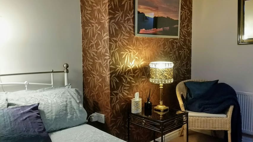 Eastside Bloom, central small double private room