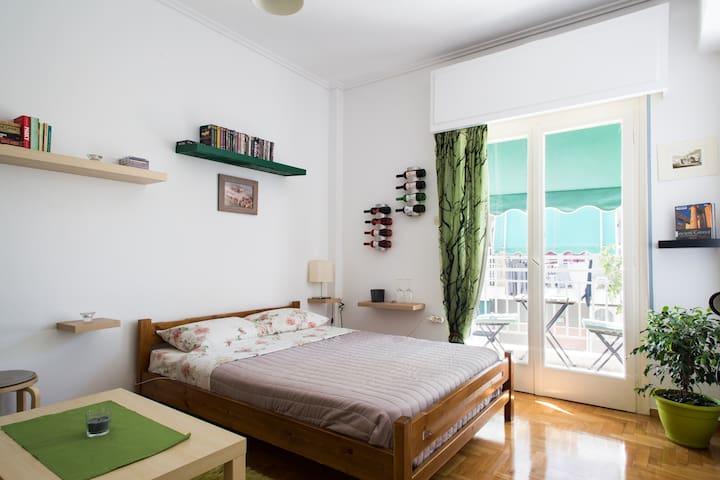 The 'We love Athens' Studio! - Athina - Apartment