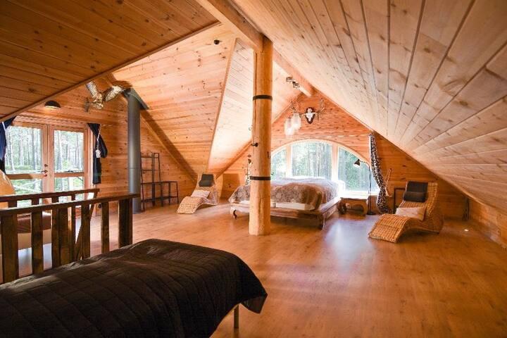 Ferienhaus am See in der Natur Schwedens mit Boot